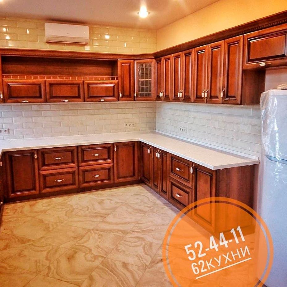 Большая кухня в классическом стиле от компании 62 кухни