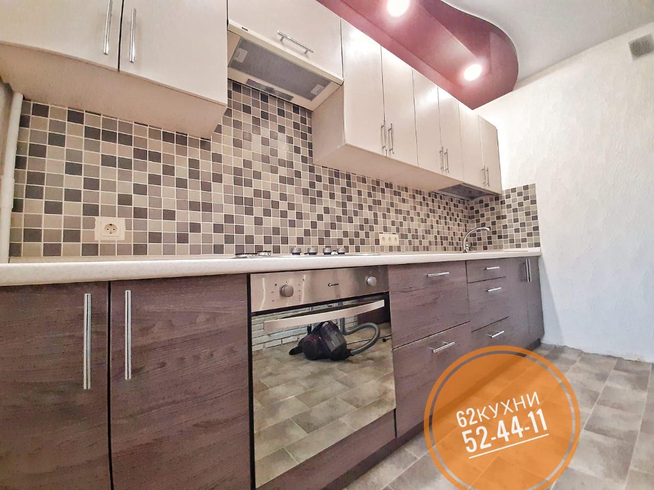 Большая и стильная прямая кухня от компании 62 кухни
