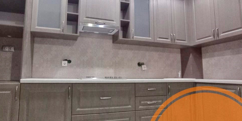 Стильная кухня с фасадами МДФ пленка с фрезеровкой
